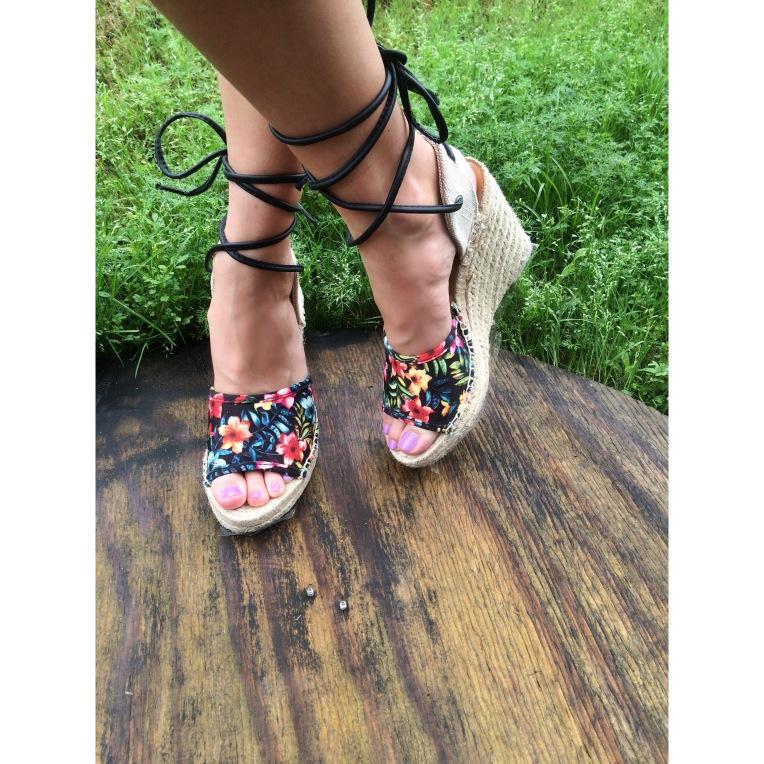 sophie on feet